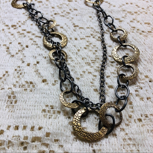 Jewelry - Dual strand 1970s-inspired necklace